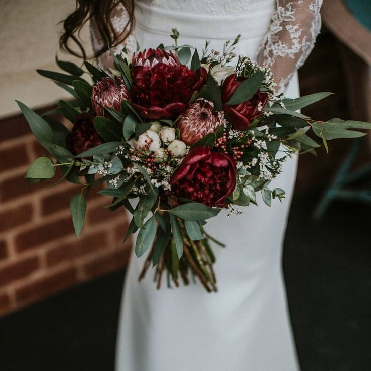 Love this hand gathered bridal bouquet. Love the r…