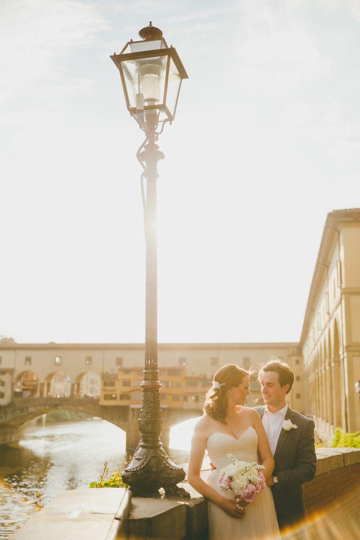 #pontevecchio #florence #tuscany #elopement #elopetoitaly  #italyweddingphotographer #florenceweddingphotographer #tuscanyweddingphotographer #maisonpestea
