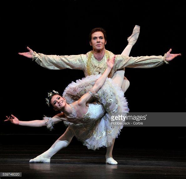 Alina Cojocaru as Princess Aurora and Johan Kobborg as Prince Florimund in the Royal Ballet's production