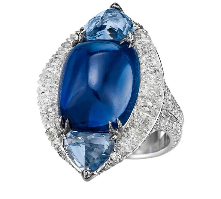 Boghossian Ballet Oriental ring with a 15.86 cts sugarloaf Kashmir sapphire