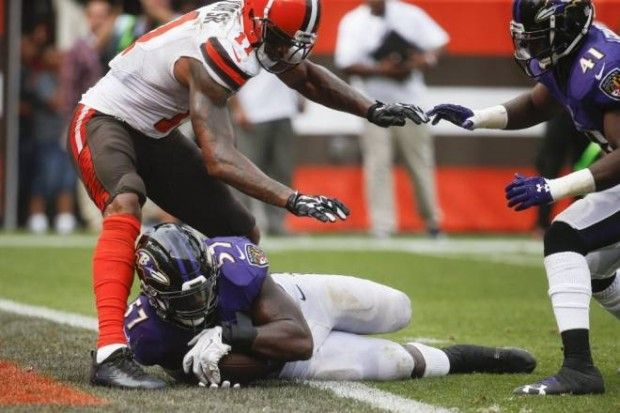 "Cleveland Browns coach Hue Jackson said Baltimore Ravens inside linebacker C.J. Mosley ""might be one of the best players in football"" during his Monday press conference."