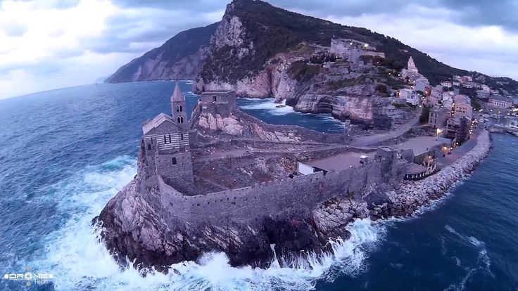 Portovenere vista da un drone - Portovenere Aerial Footage - Wonderful I...
