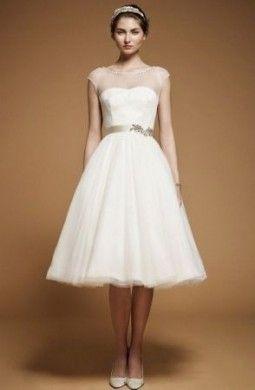 Abiti da sposa corti, il nuovo must per la primavera estate 2012  [FOTO]