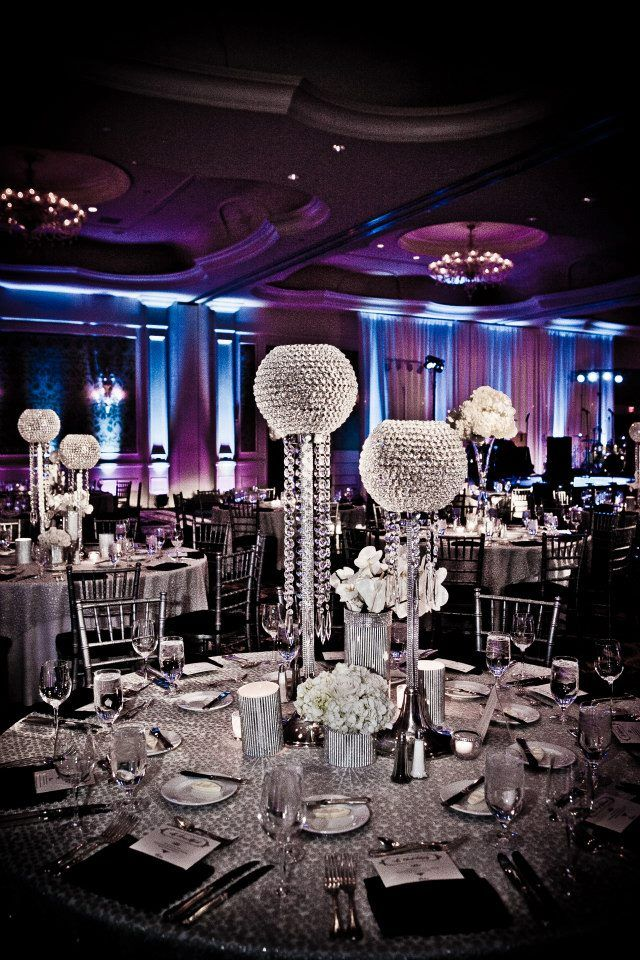 Hollywood glam. Diamanté gem centrepieces. LOVE THESE!!!