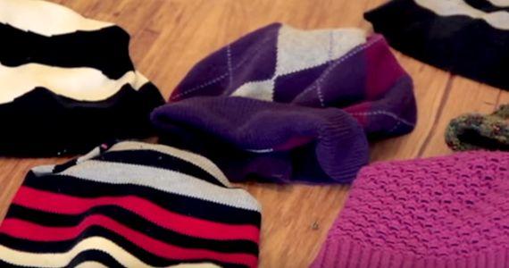 Faites des chapeaux avec vos vieux chandails.  http://rienquedugratuit.ca/videos/faites-des-chapeaux-avec-vos-vieux-chandails/