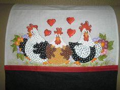 Pano de copa em sacaria branca, motivo galinhas da Angola estilo country, imitando patchwork, acabamento em tricoline de acordo com a pintura e viés. R$ 25,00