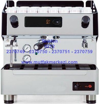 Espresso Makinası 1EVYO:Espresso makinası kafelerde,barlarda,otellerde kullanılan son derece kaliteli,sağlam,güvenilir espresso makinasıdır.Espresso makinası ile ilgili daha detaylı bilgi almak için ya da bu espresso makinası haricinde diğer espresso kahve makinası modellerimizle ilgili olarak da bize ulaşabilirsiniz - Espresso makinası satış telefonu 0212 2370749