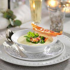 Recept på Jordärtskockssoppa med parmachips från - Hemmets Journal