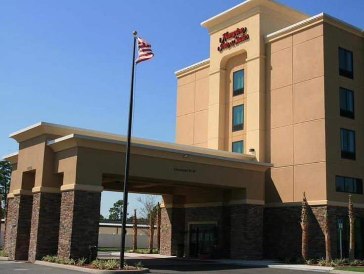 Jacksonville (FL) Hampton Inn & Suites JacksonvilleBeach Boulevard Mayo Clinic Area United States, North America Set in a prime location of Jacksonville (FL), Hampton Inn & Suites JacksonvilleBeach Boulevard M puts everything the city has to offer just outside your doorstep. The hotel has everything you need for a comfortable stay. Facilities like 24-hour front desk, facilities for disabled guests, luggage storage, Wi-Fi in public areas, car park are readily available for you ...