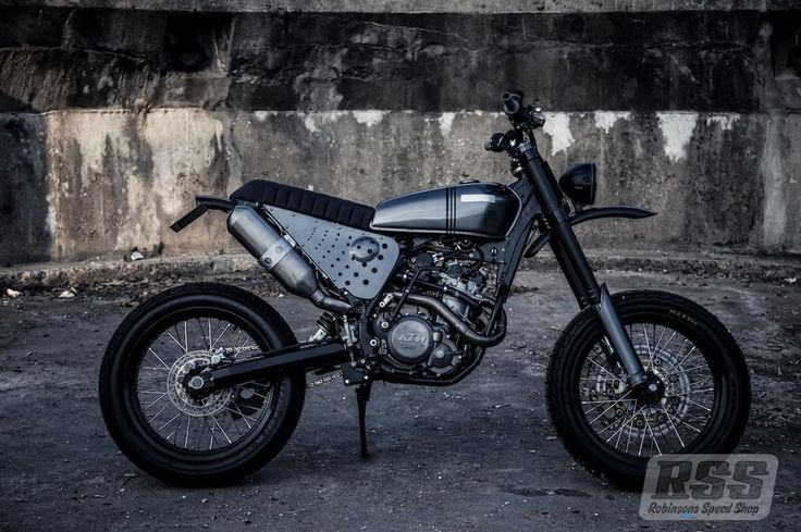 KTM 525 Street Tracker by Robinson's Speed Shop #motorcycles #streettracker #motos | caferacerpasion.com