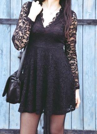 Kup mój przedmiot na #vintedpl http://www.vinted.pl/damska-odziez/krotkie-sukienki/12678484-hm-czarna-koronkowa-sukienka-w-serek-v-neck-38