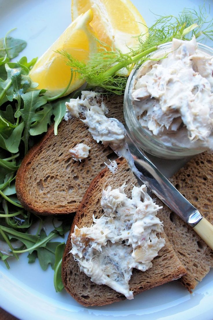 Smoked, Peppered Mackerel Pâté with Rye Bread Toasts