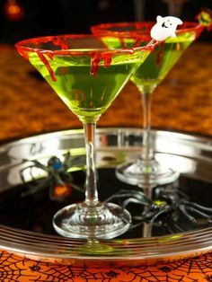 The Halloween entertaining experts at HGTV.com share a recipe for a Halloween-themed martini.