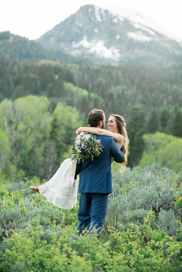 Hannah Parker Mapleton Wedding Photo By Kristina Curtis Venue Is Quiet Meadow Farm Floral By Over Utah Wedding Photography Utah Weddings Mountain Wedding