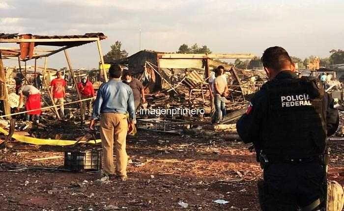 Explosión en fábrica de pirotecnica en México provoca tragedia - http://www.imagenprimero.com/explosion-en-fabrica-de-pirotecnica-en-mexico-provoca-tragedia/