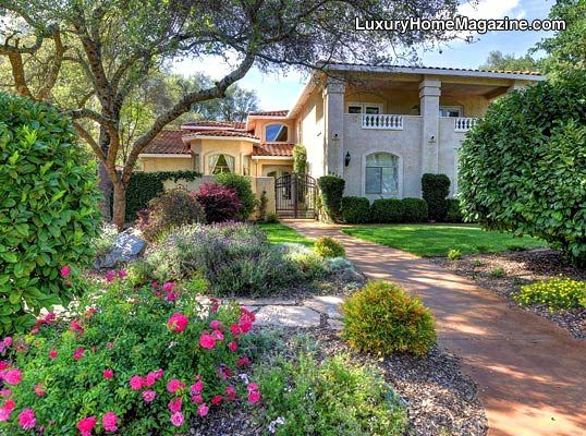 Gorgeous Estate home with beautiful front yard landscaping ... on Luxury Front Yard Landscape id=60913