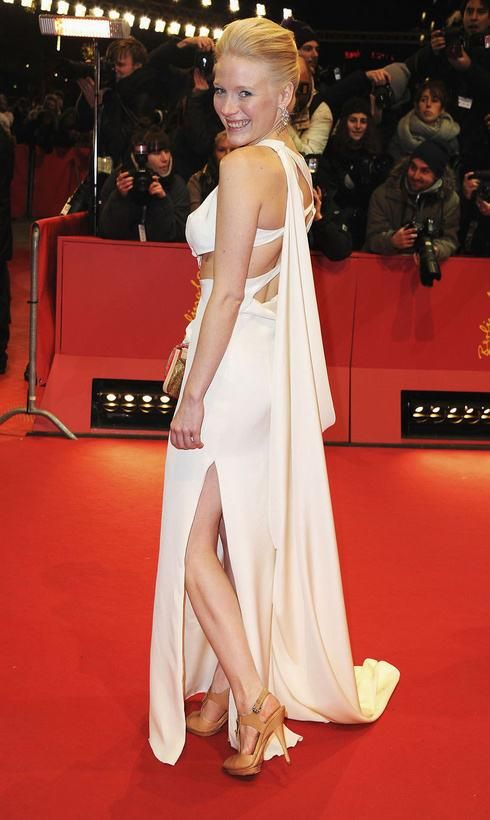 Actress Laura Birn