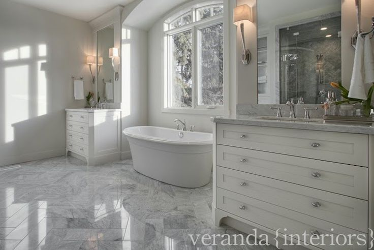 77 best images about bath on pinterest traditional bathroom grey traditional bathrooms and - Verandah house interiors ...