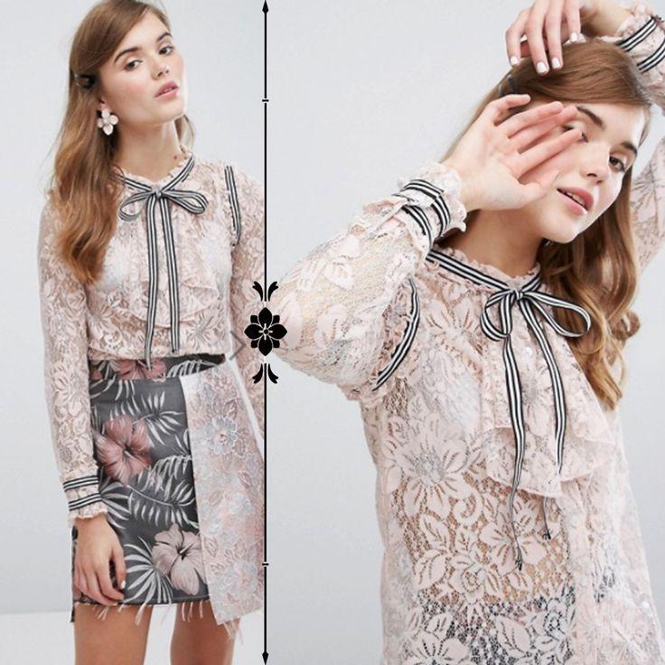 ◆Sister Jane◆リボンタイ★レースシャツ★ホワイト ◆素材     94% Nylon, 6% Metalic fibre◆ ◆セミシアーレース、ハイネック、ボタン、フリルビブ、リボンネクタイ、レギュラーフィット、ドライクリーニング、モデル(身長175cm)はSを着用 ◆気になる商品がございましたら、「ほしいもの登録」をお願いします♪ 次回から簡単にご覧になれますよ♪ 是非ご利用くださいませ☆ 【商品の梱包について】 お客様に低料金でご提供させて頂くために、簡易包装とさせていただいております。ご了承くださいませ。 【キャンセル・交換・返品】 海外からの取り寄せというシステムの都合上、オーダー後の返品交換(サイズ交換)キャンセルはお受けしておりません。 ご了承くださいませ。 ◆画像は、PC環境によって若干の違いが出ることがあります。 他、お気軽にお問い合わせください。