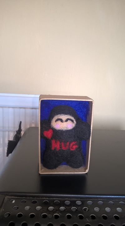 As it's Monday and certainly here it's cold wet and miserable I thought i'd leave a wee ninja hug for you all <3