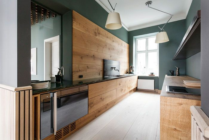 Dinesen Showroom | Bespoke kitchen in Dinesen HeartOak designed by Garde Hvalsøe