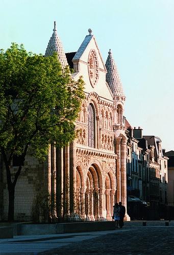 Notre-Dame-la-Grande church in Poitiers ©CRTPC http://www.holidays-france-atlantic.com