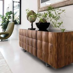 Get inspiration for your work in progress: a new living room decor project! Find out the best midcentury sideboards inspirations for your interior design project at http://essentialhome.eu/