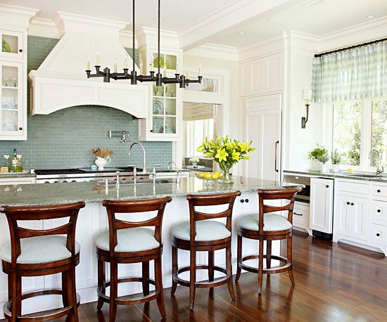 Kitchen layout stove as focal point large center island for Large kitchen island with sink