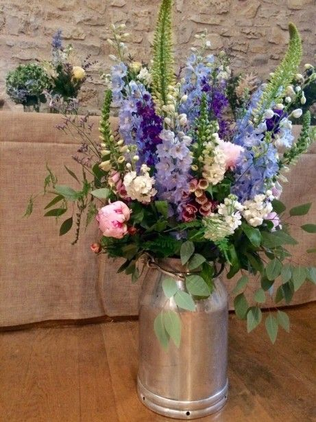 Bristol Florist The Rose Shed Shows Wedding Flowers At Folly Farm