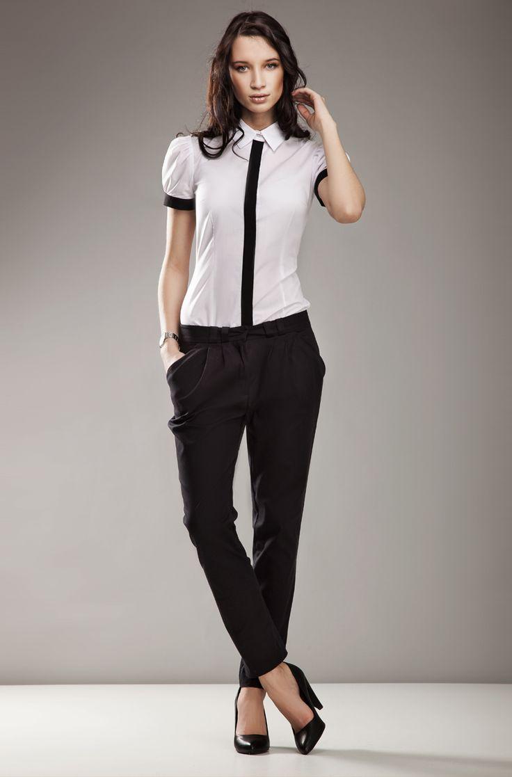 Koszula Black & White - pionowa linia optycznie wyszczupla sylwetkę. #nife #olive #koszula #wyszczuplająca #moda #zakupy #biała #czarna
