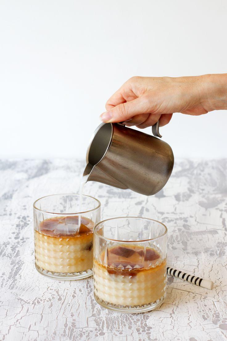 """""""Don't say maybe if you want to say no."""" Als je bij mij de vriezer opendoet zie je: wodka, want ja wodka, shot glazen, voor de wodka, bevroren bosbessen voor een makkelijke smoothie, bevroren banaan, voor dit heerlijke ijs en ingevroren koffie. Zodat ik altijd een makkelijke en lekkere ijskoffie heb. Ik blijf het herhalen:Continue reading"""