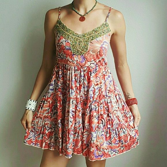 """Floral Free People Dress Gorgeous summery dress with incredible beaded detailing!!    . I'm 5'8"""" for reference! Size XS, but could fit anywhere from an XS-Med! Free People Dresses Mini"""