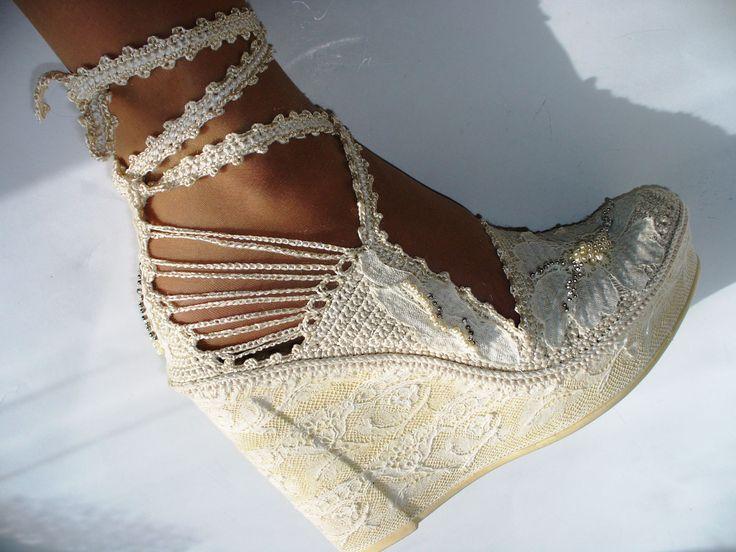 Crochet Bridal Wedges created by LeeLu