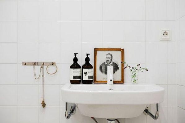 .: Bathroom Design, Bathroom Inspiration, Modern Bathroom, Simple Bathroom, Bathroom Ideas, White Bathroom, Bathroom Sinks, Bathroom Interiors Design, Bathroom Style