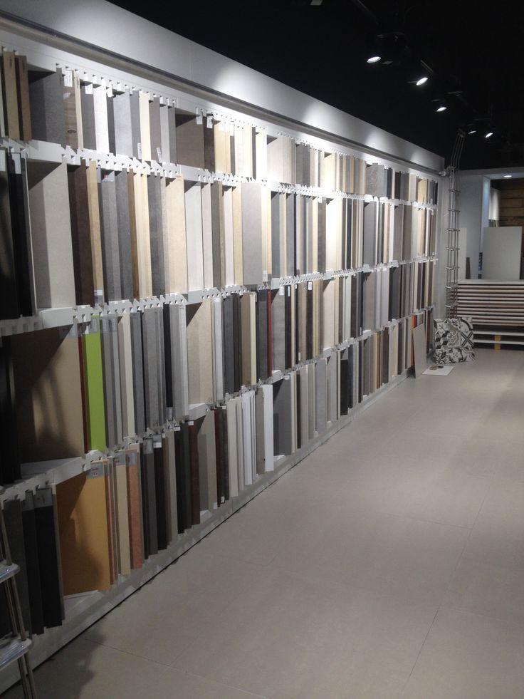 44 best showroom images on Pinterest Alsace, Showroom design and - meuble salle de bain pierre naturelle