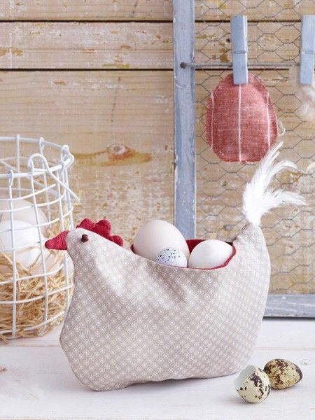 Ostern kommt mit riesigen Schritten näher. Wer noch schnell ein paar Deko-Ideen braucht - hier kommen 5 einfache DIY-Ideen mit Stoffresten.
