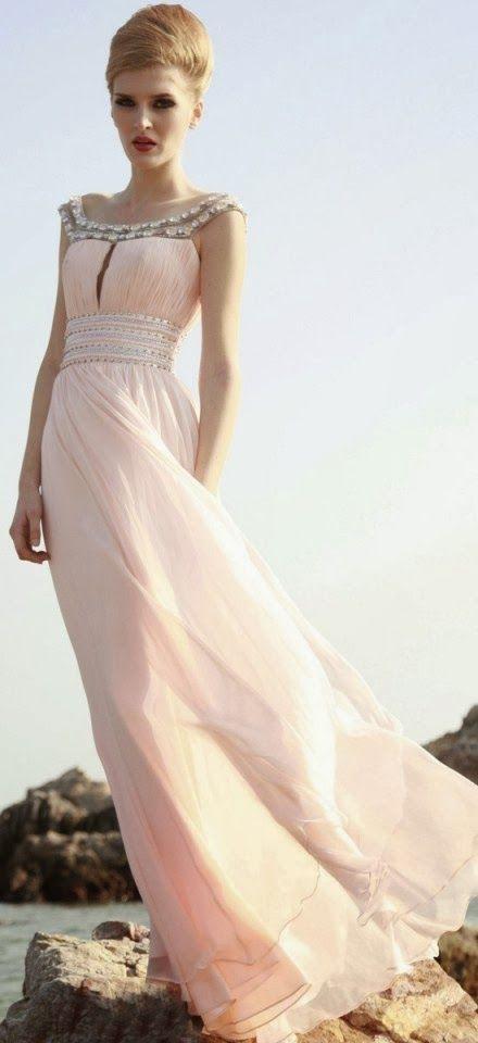 Los más bellos vestidos largos para ti