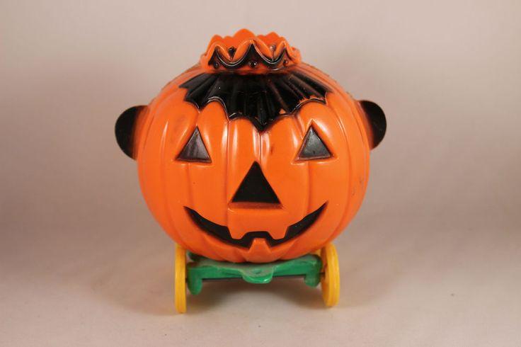 Vintage Rosen Rosbro Halloween Queen Jack-o'-Lantern Hard Plastic on Wheels