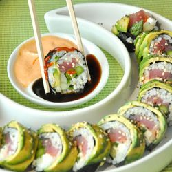 Avocado Wrapped Sushi. I dont like sushi but i think i could do this one!