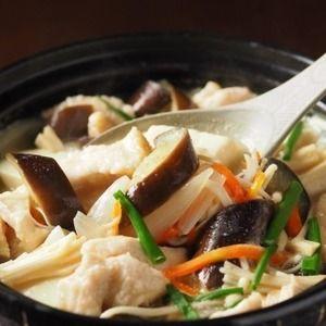 しっとり鶏むね肉と茄子の生姜味噌鍋+by+筋肉料理人さん+|+レシピブログ+-+料理ブログのレシピ満載! +∩・∀・)こんにちは~筋肉料理人です!皆さん、お元気ですか~きょうの料理は鶏むね肉と茄子の生姜味噌鍋です。加熱しても固くならないように下処理した鶏むね肉と茄子を、具沢山味噌汁風の鍋にしました。今は葉...