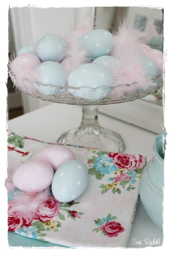 Easter eggs ~ what I love is the glass/crystal pedastal dish