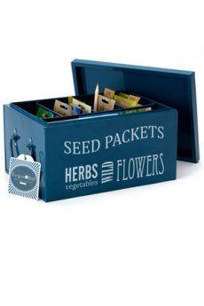 Raccoglitore a scomparti Burgon&Ball blu- raccoglitore studiato e progettato per contenere le bustine di semente per orto - può essere utilizzato da raccoglitore promemoria ed e' suddiviso in scomparti - completo di matite in legno e schede   - Dimensioni: cm 28 x 20 x H.: 16 cm - See more at: http://www.yoursecretgarden.it/ita/eshop/articolo.html?id=130#sthash.A7SWuAaO.dpuf