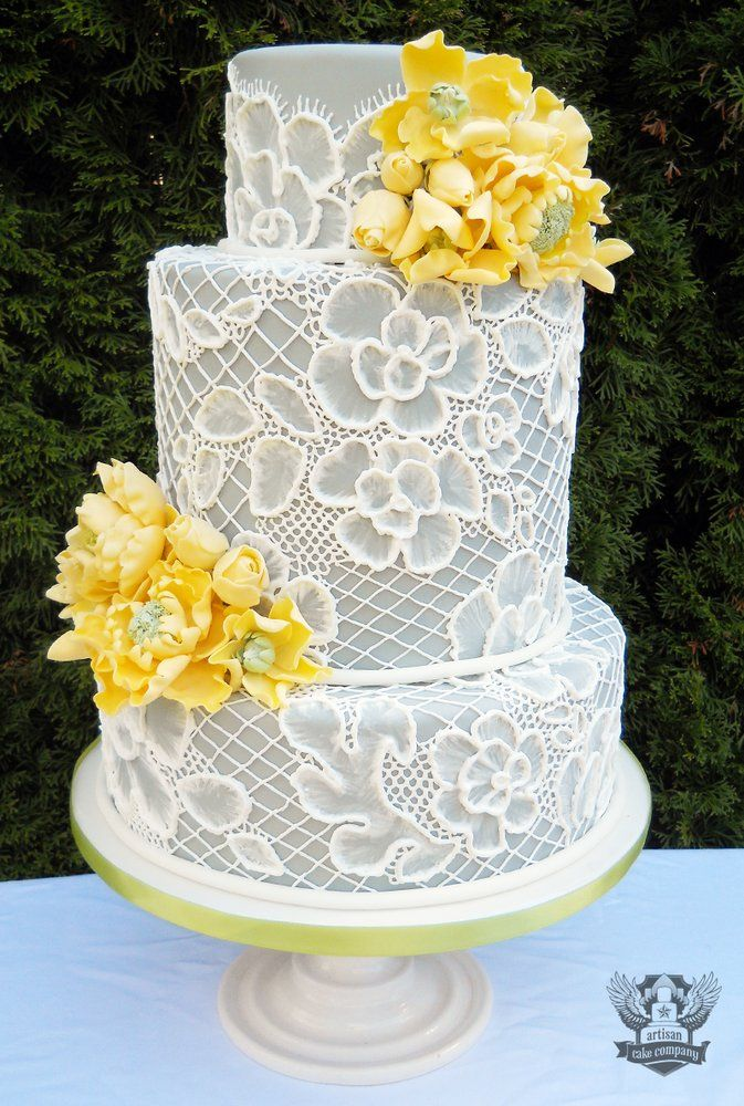 Grey-yellow-lace-wedding-cake