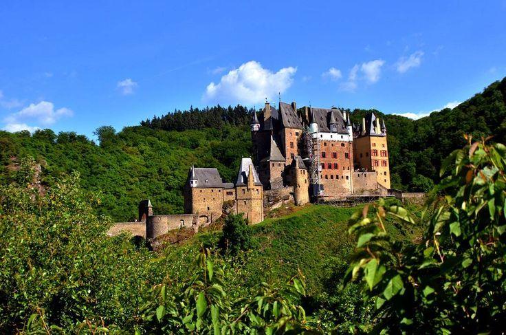 #naturephotography#alicjabphotography#travel#podroże#reisen #polkawniemczech#hdr#fotografuje#photography #landschaft #landscape #alicjabphotography#mosel #travel#podroże#hdrlovers#cochem#deutschland #germany#deutschland #niemcy#instebest#instaphotography #rzeka#fotografia#eltz#burg#schlosseltz ##beautiful#wierschemgermany #wierschem#frühling#spring#sonne ☀☀ http://tipsrazzi.com/ipost/1523803372268100036/?code=BUloxf3lRnE