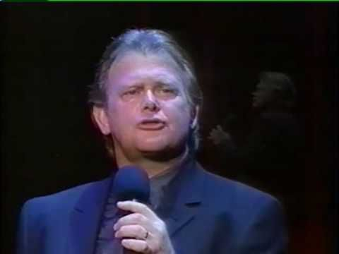 John Farnham - Burn For You (Country Version) LIVE He is such an entertainer.