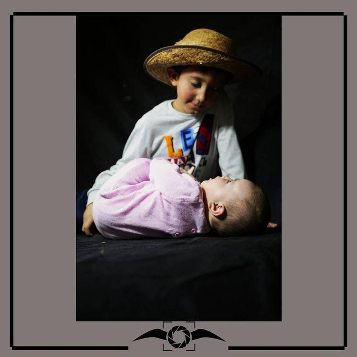 Her abinin/ablanın gözbebeğidir, canıdır kardeşi.. �� . . . . . . . . . . . . . .#vogue #sanat #tasarim #art #denizlisanat #kişiyeözel #düğün #nişan #doğum #bebek #mezuniyet #organizasyon #babyphotography #wedding #çamlık #denizli #canon #instawedding #instababy #instagraduation #igzaman #en_iyi_kare #ig_turkey #model�� #denizli2017 #bebekfotografcisi #dogumfotografcisi #gezginkadinlar http://turkrazzi.com/ipost/1515790855947397000/?code=BUJK8Cih6eI