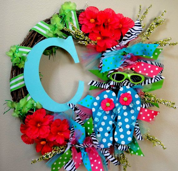 summer flip flop door wreath from etsy.com