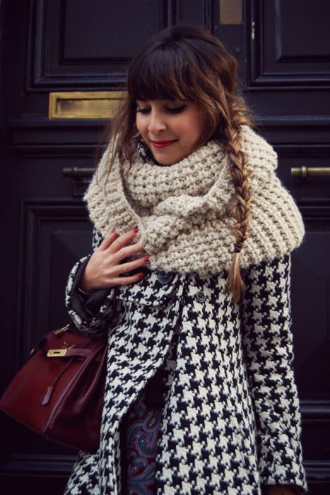 hair/scarf/coat