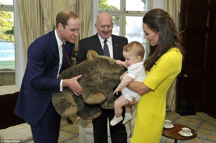 The Australian Governor-General Peter Cosgrove presented Prince George with a gift, a toy ... http://dailym.ai/P6fJvB#i-a8c30e67