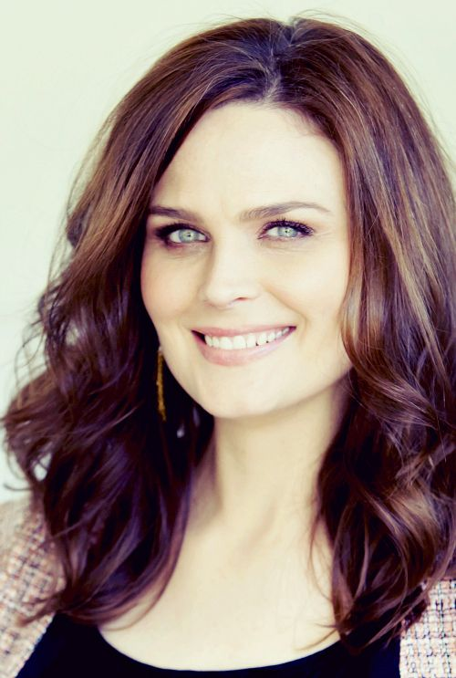Emily Deschanel. Pretty much my favorite actress. Love Bones!